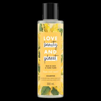 Frente da embalagem do shampoo Love Beauty and Planet óleo de coco & ylang-ylang 300 ml
