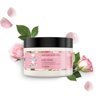 Framsida av body butter-förpackning Love Beauty Planet Murumurusmör & Rosor body butter Delicious Glow 250 ml