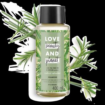 Tampak depan kemasan Love Beauty and Planet Tea Tree Oil & Vetiver Shampoo ukuran 400 ml