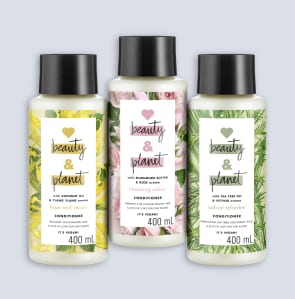 drie flesjes conditioner