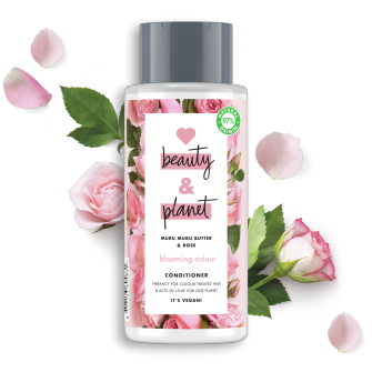 Framsida av balsamförpackning Love Beauty Planet Murumurusmör & Rosor balsam Blooming Colour 400 ml