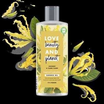Suihkugeelipakkauksen etuosa Love Beauty Planet Kookosöljy ja ylang-ylang -suihkugeeli Tropical Hydration 500 ml