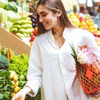 farmers market shopping